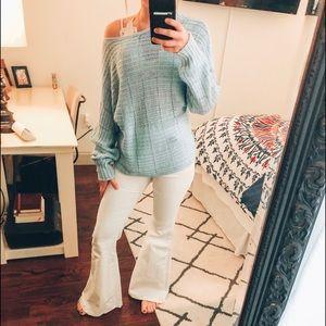 blue knit sweater!!